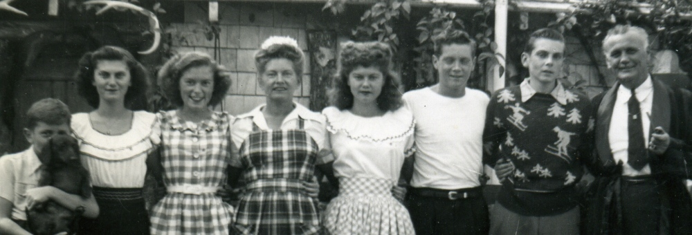 1940's Los Angeles Family Photo  Lois in the Middle