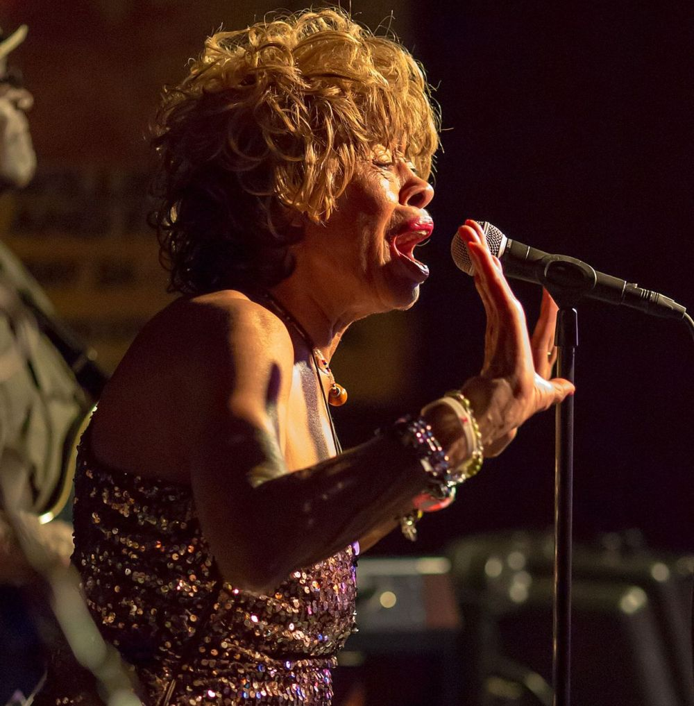 Miss Lavelle White Sings the Blues At Antone's